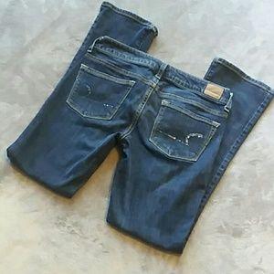AEO women's size 6 short Skinny Kick jeans